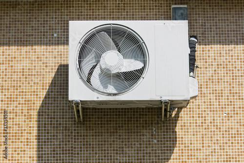 climatiseur mural de pixarno photo libre de droits 33354501 sur. Black Bedroom Furniture Sets. Home Design Ideas