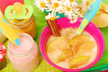 rice pudding with  apple and cinnamon for baby