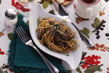 Boquerones con pasta ( Bavette )