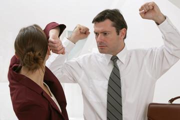 Violences conjugales,