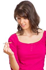 Raucher mit Zigarette in der Hand