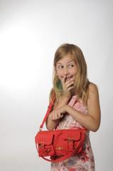 Mädchen mit Handtasche