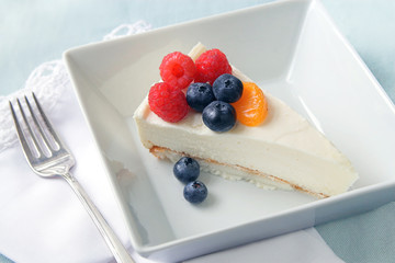 Yogurt Cheesecake with fruit