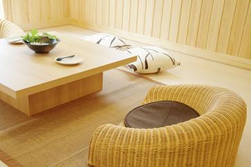 座椅子とテーブル