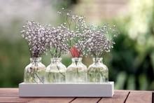 Kwiaty w szklanym biżuterii Gypsophila