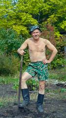 Man with spade 4