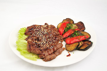 Beef baked with vegetables