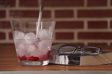 Gin tonic y libro