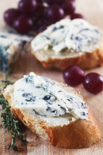 Blue Cheese on White Bread