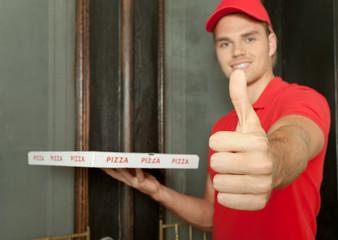 daumen hoch für pizza