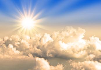Soleil et nuages vus d'avion