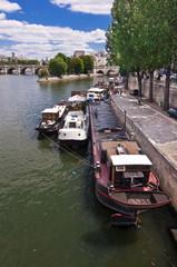 La Seine au quai de Conti, Paris - France