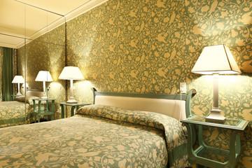 interno di camera da letto di hotel