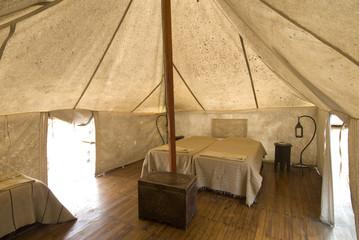 senegal, lompoul, interno tenda nel deserto