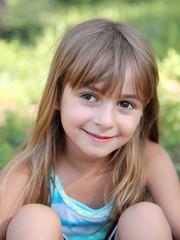 Petit sourire d'été (fille 5-6 ans)