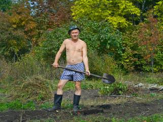 Man with spade 3