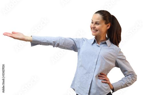 Frau zeigt und präsentiert etwas mit einer Hand