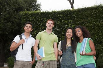 Gruppo di studenti adolescenti