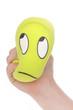 main enfant écrasant boule anti stress