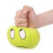 enfant écrasant boule anti stress