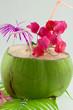 eau de coco rafraîchissante, cocktail exotique