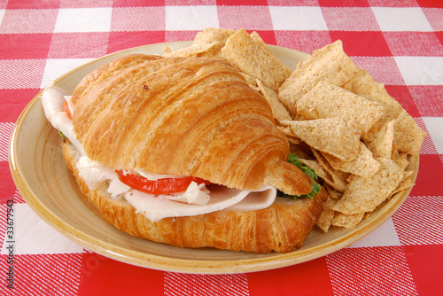 Croissant sandwich and multigrain chips