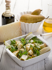 cheese and pears salad