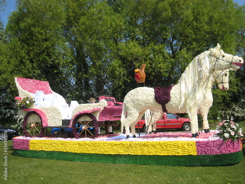 flower horse and carriage