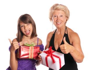 heureuses de reçevoir des cadeaux