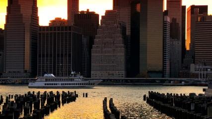 Sunset over the Hudson River, Manhattan, NY, USA