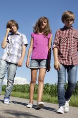 jeunes adolescents en vadrouille