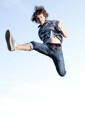 adolescent dynamique énergique