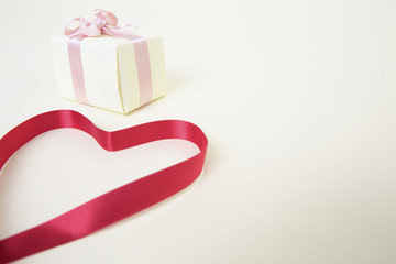 プレゼントとリボン