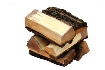 pezzi di legno su sfondo bianco
