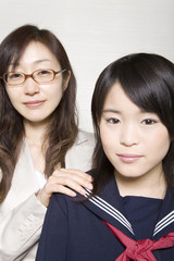 女子中学生と塾講師ポートレート