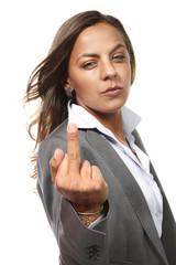 donna arrabbiata su sfondo o fondo bianco in studio