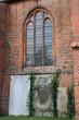 Gedenksteine vor Klosterkirche Ebstorf (Lüneburger Heide)
