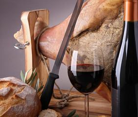 scène, vin, pain et jambon sec