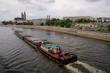 Schubeinheit auf der Elbe in Magdeburg