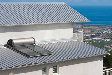 toiture maison, chauffe-eau solaire