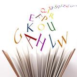 Fototapety books and letters - libro e lettere