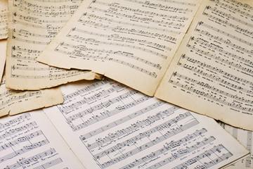 Vecchi spartiti musicali