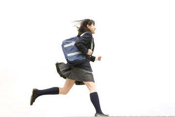 駆ける女子中学生