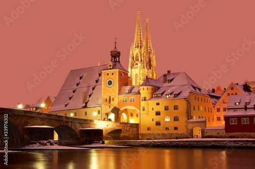 Leinwanddruck Bild Winter in Regensburg (UNESCO World Heritage)