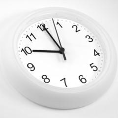 zehn Uhr