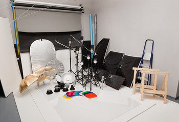 Equipment of a photographic studio