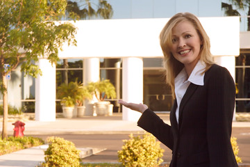 Real Estate sales broker
