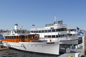 マリナデルレイの観光船
