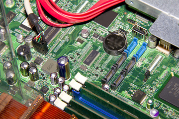 Server and PC motherboard