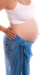 Ventre d'une jeune femme enceinte
